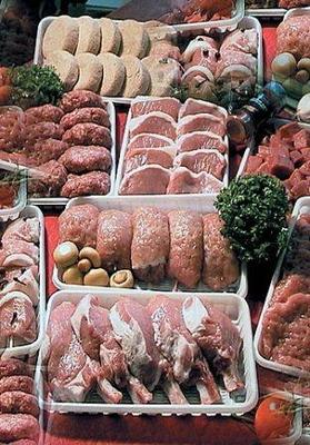 Выпуск мясных полуфабрикатов в мае сократился до 87 тыс. тонн, а производство колбасы выросло